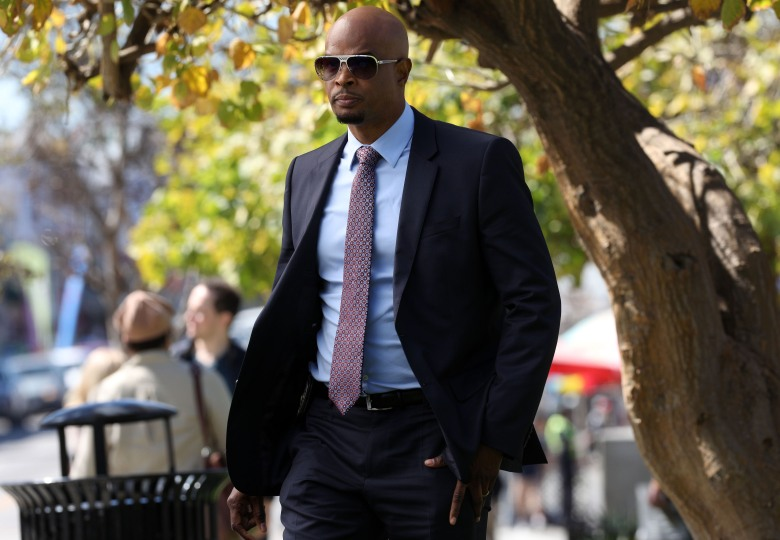 "LETHAL WEAPON: Damon Wayans in the ""Family Ties"" episode of LETHAL WEAPON airing Tuesday, May 1 (8:00-9:00 PM ET/PT) on FOX. ©2018 Fox Broadcasting Co. CR: Jordin Althaus/FOX"
