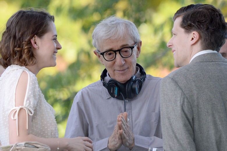Kristen Stewart, Woody Allen, Jesse EisenbergUntitled Woody Allen project on set filming, New York, America - 21 Oct 2015