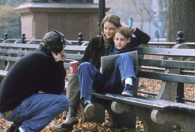 "David Fincher, Jodie Foster, and Kristen Stewart on the set of ""Panic Room"""