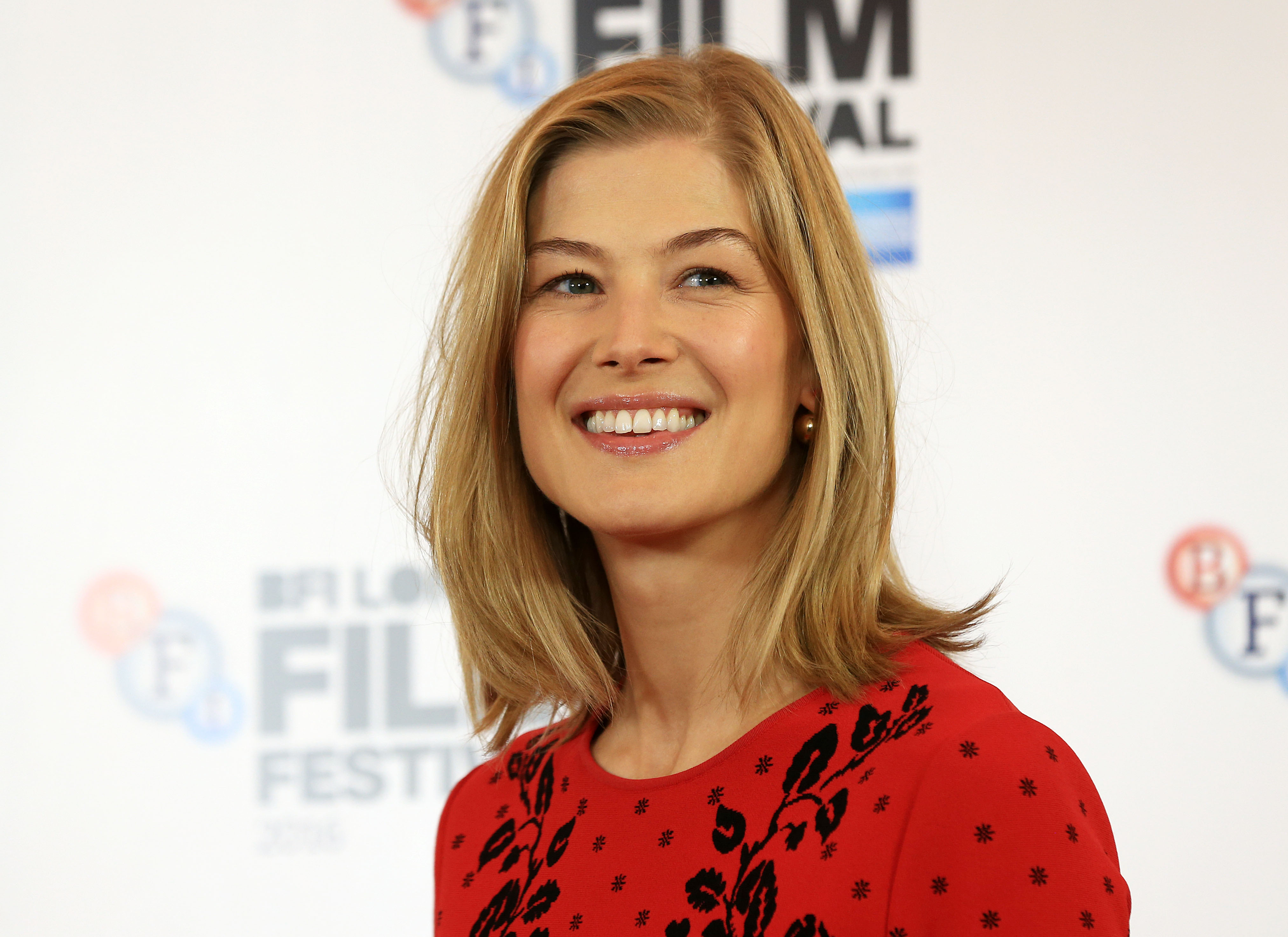 Rosamund Pike nude (51 photos), Tits, Leaked, Instagram, swimsuit 2018