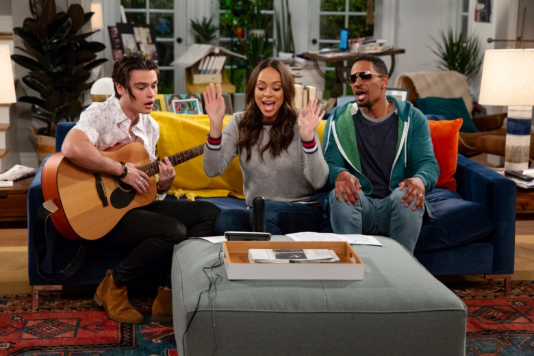 """Happy Together"" Felix Mallard, Amber Stevens West, and Damon Wayans Jr. CBS"