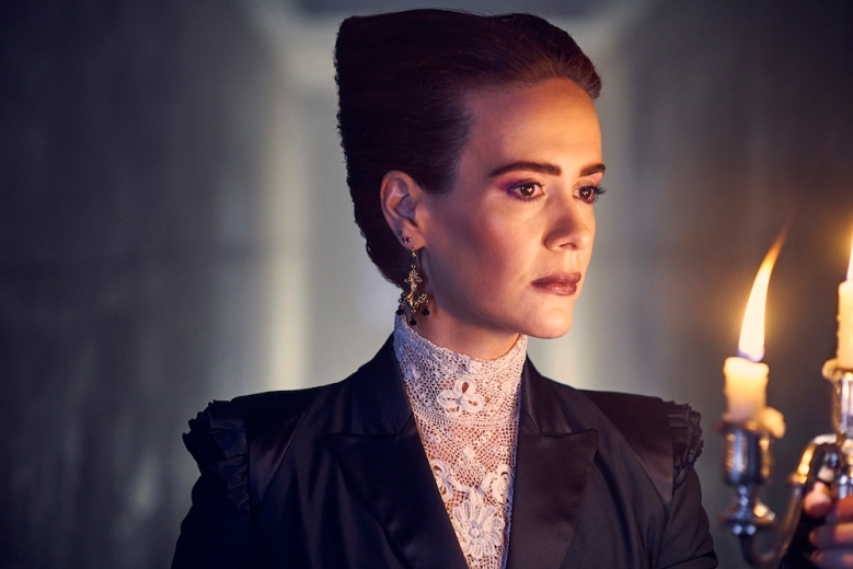 AMERICAN HORROR STORY: APOCALYPSE -- Pictured: Sarah Paulson as Ms. Wilhemina Venable/Cordelia Foxx