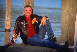 BURT REYNOLDSBURT REYNOLDS AT HOME, MIAMI, FLORIDA, AMERICA - 1996