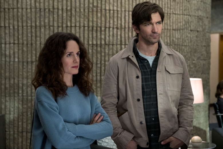 The Haunting of Hill House Season 1 Elizabeth Reaser, Michiel Huisman Netflix