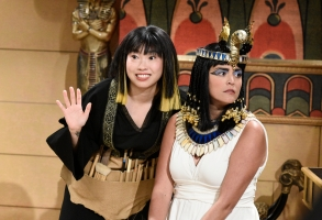 """SATURDAY NIGHT LIVE -- """"Awkwafina"""" Episode 1748 -- Pictured: (l-r) Awkwafina as Isis, Cecily Strong as Cleopatra during """"Cleopatra"""" in Studio 8H on Saturday, October 6, 2018 -- (Photo by: Will Heath/NBC)"""