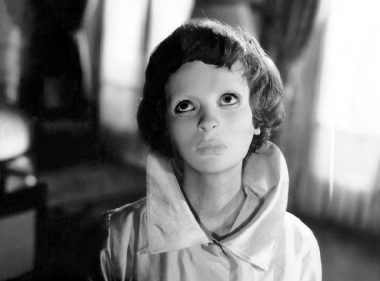 Editorial use only. No book cover usage.Mandatory Credit: Photo by Champs-Elysses/Lux/Kobal/REX/Shutterstock (5874537a) Edith Scob Eyes Without A Face / Les Yeux Sans Visage - 1960 Director: Georges Franju Champs-Elysses/Lux FRANCE/ITALY Scene Still The Horror Chamber Of Dr Faustus Les Yeux sans visage