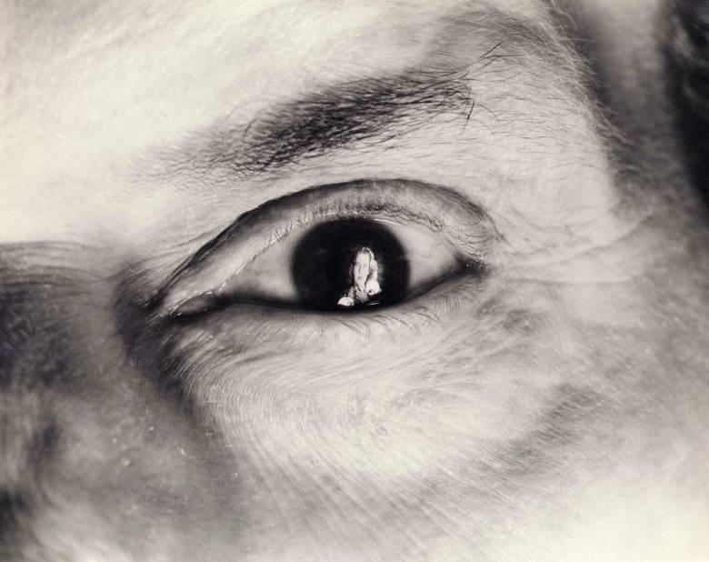 Editorial use only. No book cover usage.Mandatory Credit: Photo by RKO/Kobal/REX/Shutterstock (5874934a) The Spiral Staircase (1946) The Spiral Staircase - 1946 Director: Robert Siodmak RKO USA Scene Still Mystery/Suspense Deux mains, la nuit
