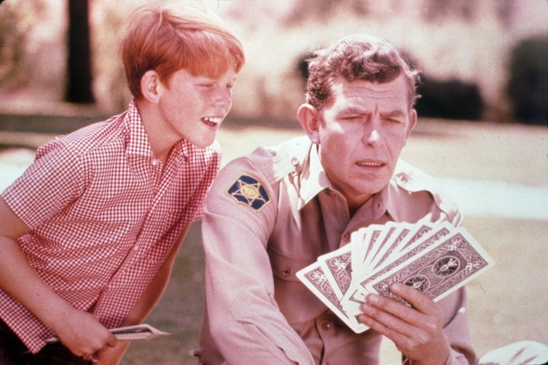 Editorial use onlyMandatory Credit: Photo by Snap/REX/Shutterstock (390858fm) FILM STILLS OF 'ANDY GRIFFITH SHOW - TV' WITH 1962, ACCESSORIES, DECK OF PLAYING CARDS, ANDY GRIFFITH, RON HOWARD IN 1962 VARIOUS