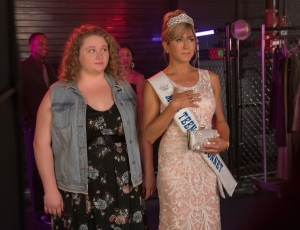 'Dumplin' Trailer: Jennifer Aniston Goes Country in Netflix Beauty Pageant Comedy