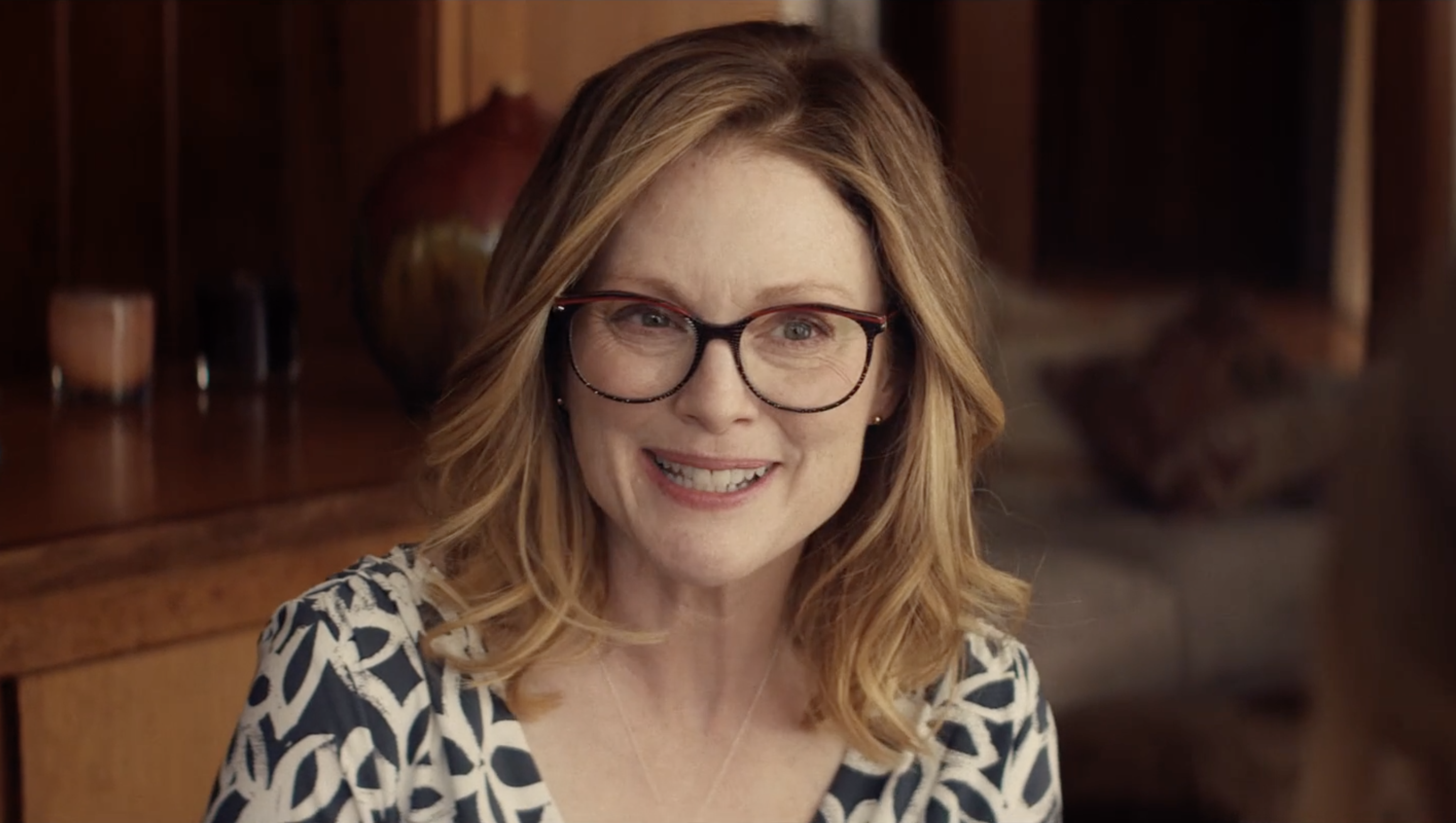 Gloria Bell Trailer Julianne Moore Delivers Another Great