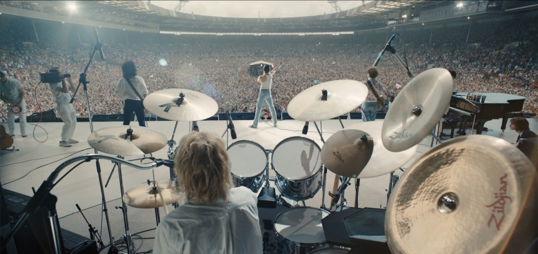 O_162_wem_0010_comp_v119_02,1160 – L-R: Gwilym Lee (Brian May), Ben Hardy (Roger Taylor), Rami Malek (Freddie Mercury), and Joe Mazzello (John Deacon) star in Twentieth Century Fox's BOHEMIAN RHAPSODY. Photo Credit: Courtesy Twentieth Century Fox.