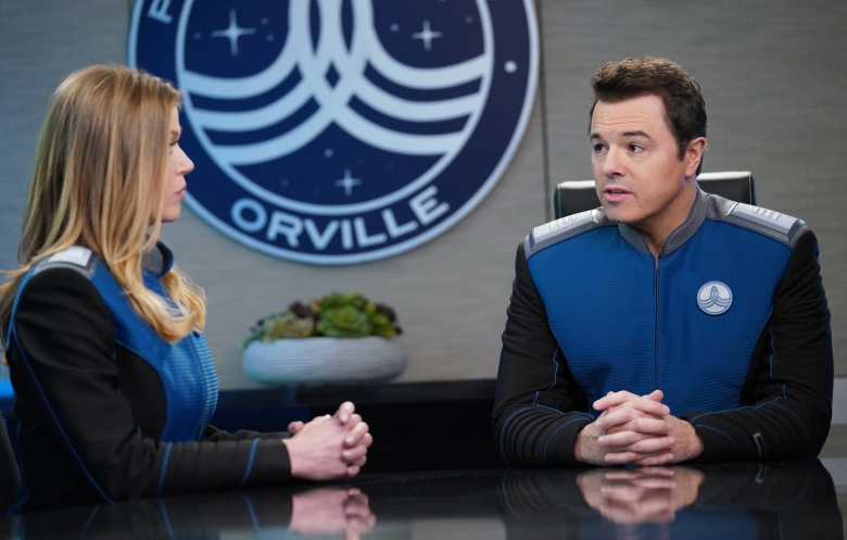 THE ORVILLE:  L-R:  Adrianne Palicki and Seth MacFarlane in the ÒJaÕlojaÓ Season Two premiere of THE ORVILLE airing Sunday, Dec. 30 (8:00-9:00 PM ET/PT), following the NFL ON FOX doubleheader.  ©2018 Fox Broadcasting Co.  Cr:  Michael Becker/FOX