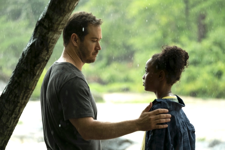 THE PASSAGE: L-R: Mark-Paul Gosselaar and Saniyya Sidney in THE PASSAGE premiering Monday, Jan. 14 (9:00-10:00 PM ET/PT) on FOX. © 2019 FOX Broadcasting. CR: Eliza Morse / FOX