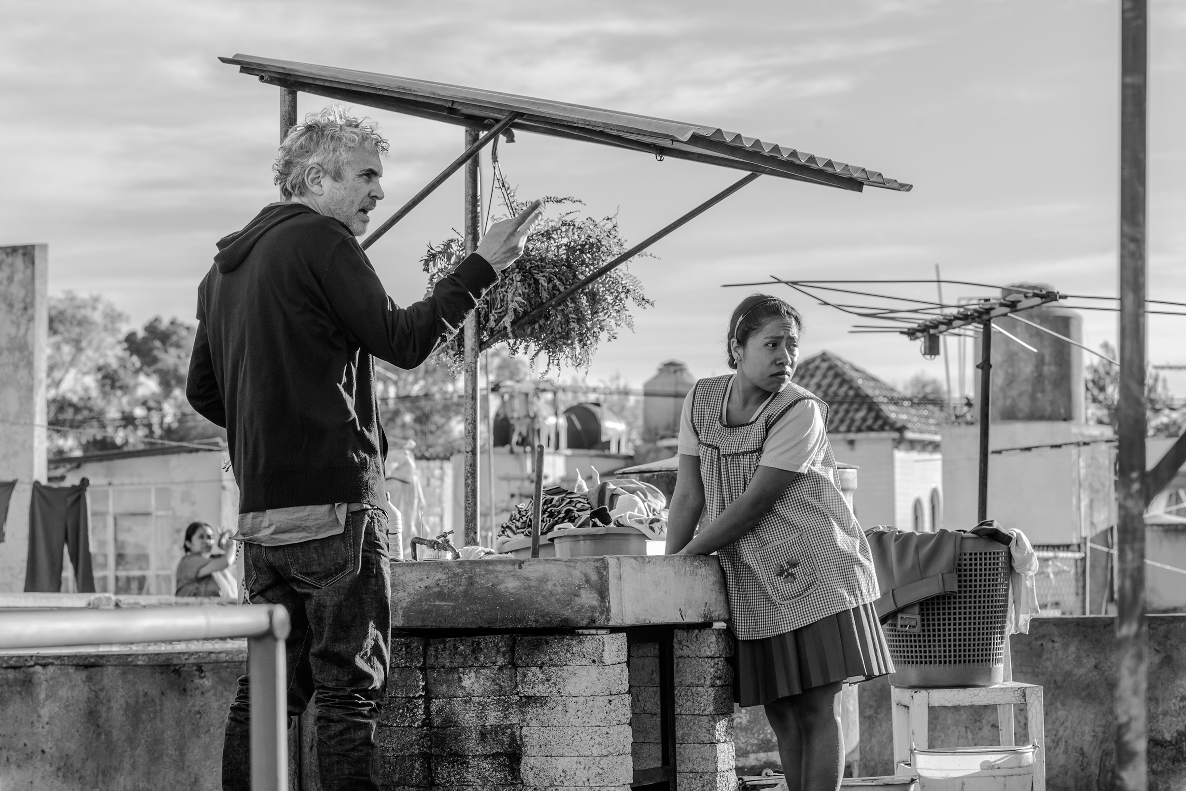 Director Alfonso Cuaron Wins Best Cinematography Oscar for 'Roma'