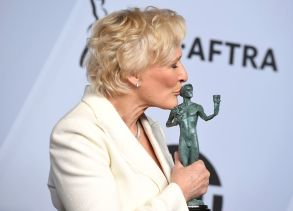 """Glenn Close poses with the award for outstanding performance by a female actor in a leading role for """"The Wife"""" in the press room at the 25th annual Screen Actors Guild Awards at the Shrine Auditorium & Expo Hall, in Los Angeles25th Annual SAG Awards - Press Room, Los Angeles, USA - 27 Jan 2019"""