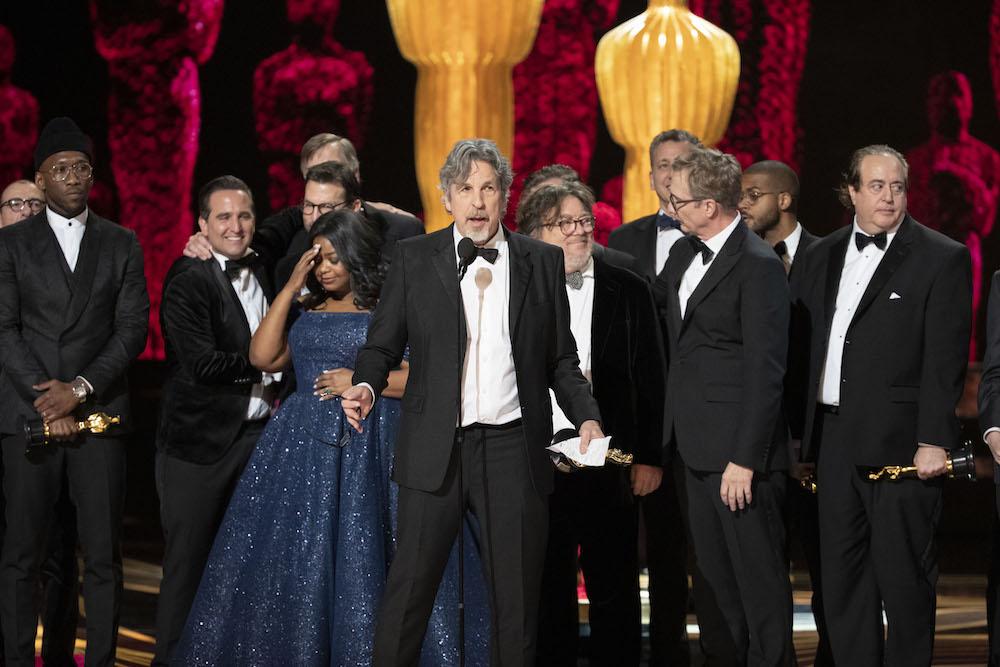 Best director oscar winner for the 2020 film roma crossword