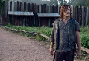 Norman Reedus as Daryl Dixon - The Walking Dead _ Season 9, Episode 11 - Photo Credit: Gene Page/AMC