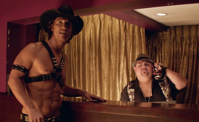 (L-r) MATTHEW McCONAUGHEY as Dallas and GABRIEL IGLESIAS as Tobias in Warner Bros. PicturesÕ dramatic comedy ÒMAGIC MIKE,Ó a Warner Bros. Pictures release.Photo courtesy of Warner Bros. Pictures