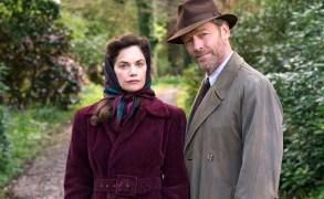 """Ruth Wilson and Iain Glen, """"Mrs. Wilson"""""""