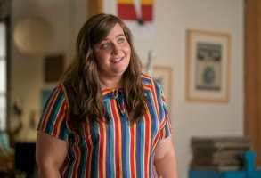 "Shrill -- ""The Date"" -- Episode 102 -- Annie's writing her first article, going on her first date with Ryan and, finally, asking more from the people in her life than she has before. Things are looking up, until an internet troll tries to drag her self-esteem back down where it started. Annie (Aidy Bryant) shown. (Photo by: Allyson Riggs)"