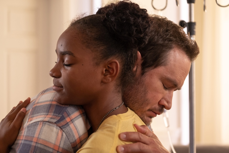 "THE PASSAGE: L-R: Saniyya Sidney and Mark-Paul Gosselaar in the ""That Never Should Have Happened To You"" episode of THE PASSAGE airing Monday, Jan. 28 (9:00-10:00 PM ET/PT) on FOX. © 2019 FOX Broadcasting.  Cr: Erika Doss / FOX."