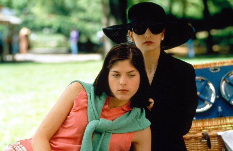 Editorial use only. No book cover usage.Mandatory Credit: Photo by Moviestore/REX/Shutterstock (1557447a)Cruel Intentions, Selma Blair, Sarah Michelle GellarFilm and Television