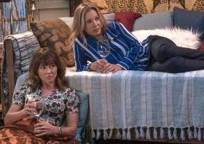 "Linda Cardellini and Christina Applegate, ""Dead to Me"""