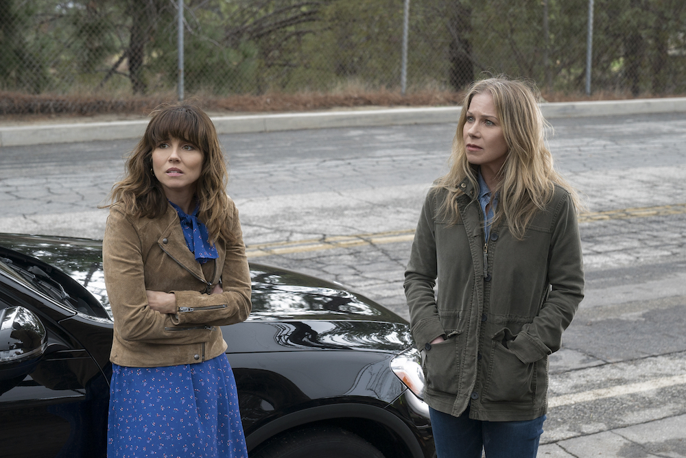 'Dead to Me' Review: Christina Applegate's Netflix Series Is No Comedy, But It Is a Mess