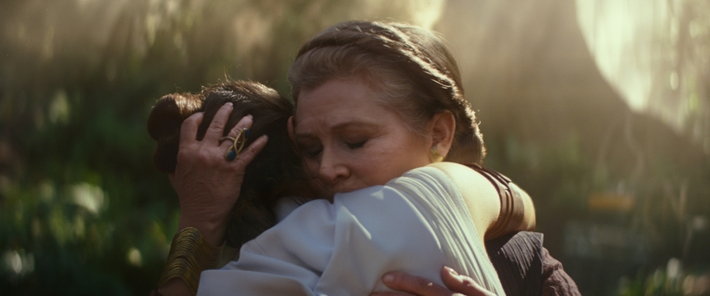 General Leia Organa (Carrie Fisher) and Rey (Daisy Ridley) in STAR WARS: THE RISE OF SKYWALKER