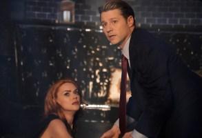 "GOTHAM:  L-R:  Erin Richards and Ben Mckenzie in the ""The Beginning..."" series finale episode of GOTHAM airing Thursday, April 25 (8:00-9:00 PM ET/PT) on FOX. ©2019 Fox Media LLC Cr:  FOX"