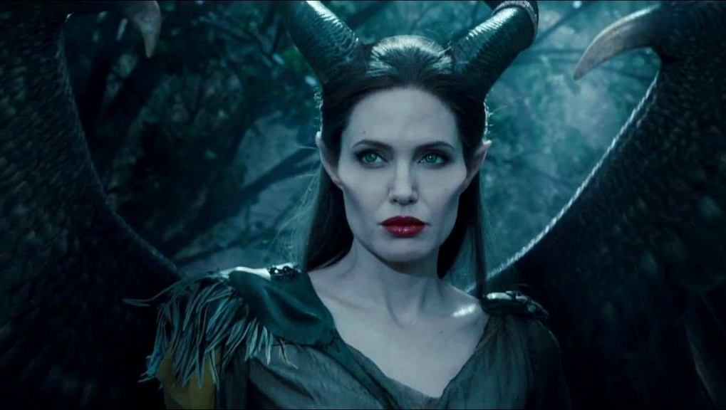Maleficent 2 Teases Battle Of Angelina Jolie Michelle
