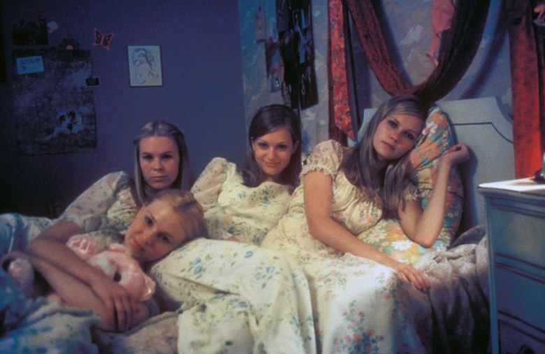 Editorial use only. No book cover usage.Mandatory Credit: Photo by American Zoetrope/Kobal/REX/Shutterstock (5879505j) Chelsea Swain, Leslie Hayman, Kirsten Dunst, A.J. Cook The Virgin Suicides - 1999 Director: Sofia Coppola American Zoetrope USA Scene Still