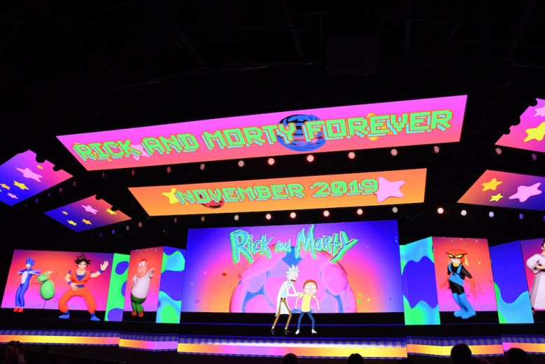 NEW YORK, NEW YORK - MAY 15: A view of the screens onstage during the WarnerMedia Upfront 2019 show at The Theater at Madison Square Garden on May 15, 2019 in New York City. 602140 (Photo by Kevin Mazur/Getty Images for WarnerMedia)