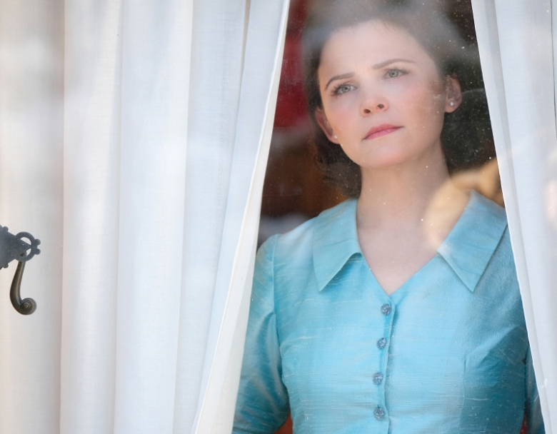 """Point of Origin"" -- Pictured: Ginnifer Goodwin as Eve Martin of the CBS All Access series THE TWILIGHT ZONE. Photo Cr: Robert Falconer/CBS © 2018 CBS Interactive. All Rights Reserved."