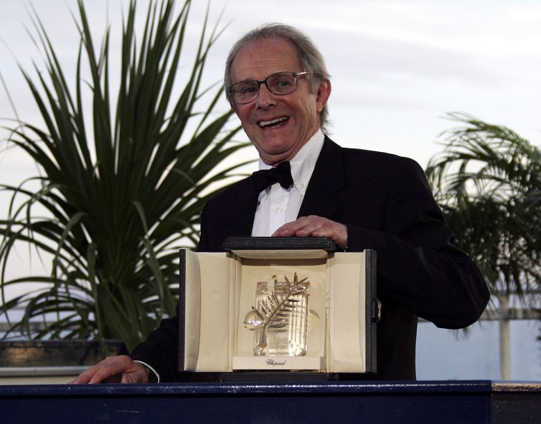 British Director Ken Loach Poses with the Palme D'or Award He Won For His Film 'The Wind That Shakes the Barley' After the Closing Ceremony of the 59th Cannes Film Festival Sunday 28 May 2006 in CannesFrance Cannes Film Festival - May 2006