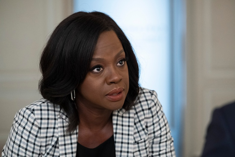 "HOW TO GET AWAY WITH MURDER - ""Be the Martyr"" - Nate is on a mission to prove he was right about the culprit in his father's murder, while Bonnie begins to doubt herself; and Annalise turns the tables in the courtroom, on ""How To Get Away with Murder,"" airing THURSDAY, JAN. 31 (10:00-11:00 p.m. EST), on The ABC Television Network. (ABC/Gilles Mingasson)VIOLA DAVIS"