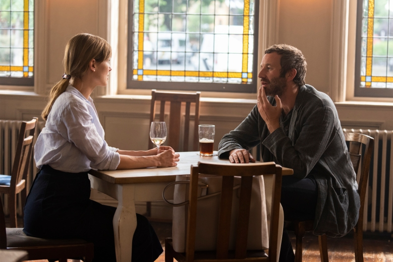 Rosamund Pike as Louise, Chris O'Dowd as Tom- State of the Union _ Season 1, Episode 5 - Photo Credit: Parisatag Hizadeh/Confession Films/SundanceTV