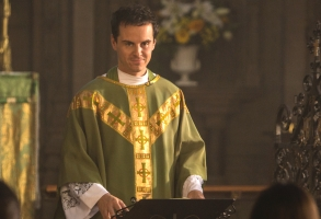 Andrew Scott Fleabag Season 2 Amazon