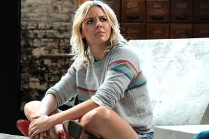 'The Other Two': How Helene Yorke Deliberately Crafted a Character Who's Clueless About Everything