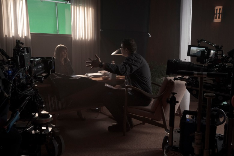 Homecoming: Julia Roberts and Sam Esmail on set