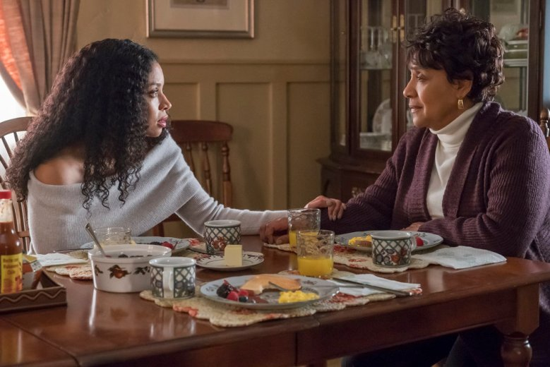 "THIS IS US -- ""Our Little Island Girl "" Episode 313 -- Pictured: (l-r) Susan Kelechi Watson as Beth, Phylicia Rashad as Carol -- (Photo by: Ron Batzdorff/NBC)"
