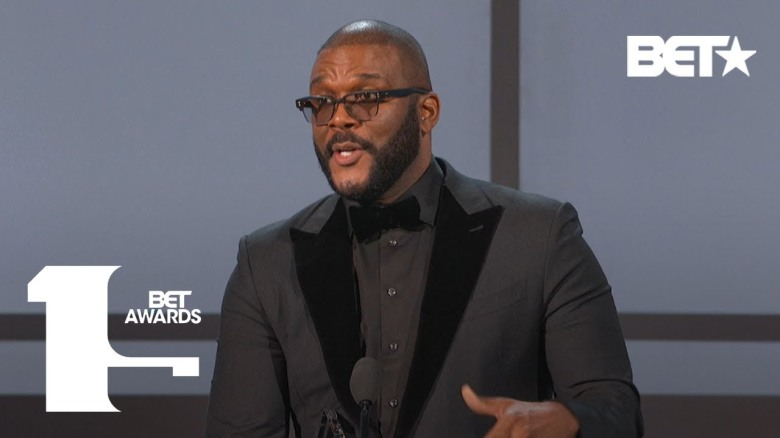 Tyler Perry accepts the Ultimate Icon Award and gives amazing speech on determination and reaching goals.