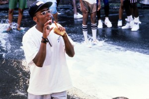Spike Lee Accepts American Cinematheque Award from 'Da 5 Bloods' Cast