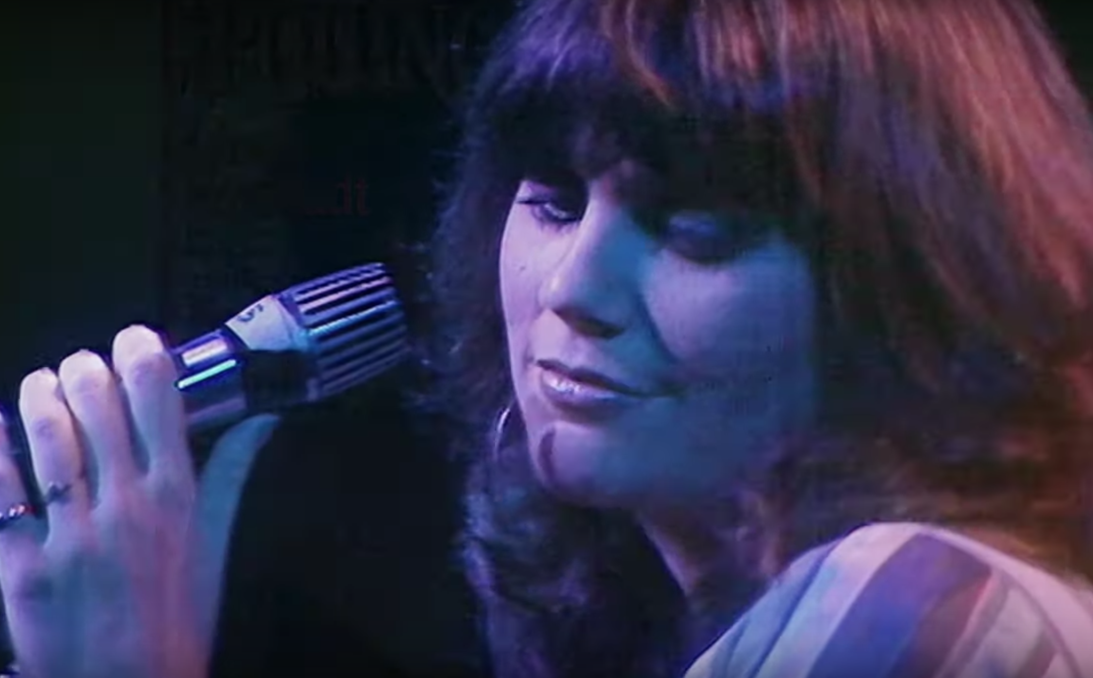 'Linda Ronstadt: The Sound of My Voice' Trailer: A Loving Tribute to the Singer