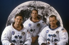 "Tony Goldwyn, Cary Elwes, Bryan Cranston in ""From the Earth to the Moon"""