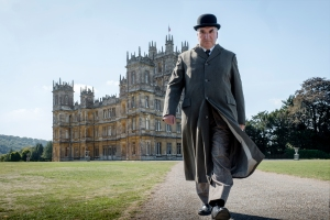 'Downton Abbey' Opens to $30 Million, Crushing Specialized Competition