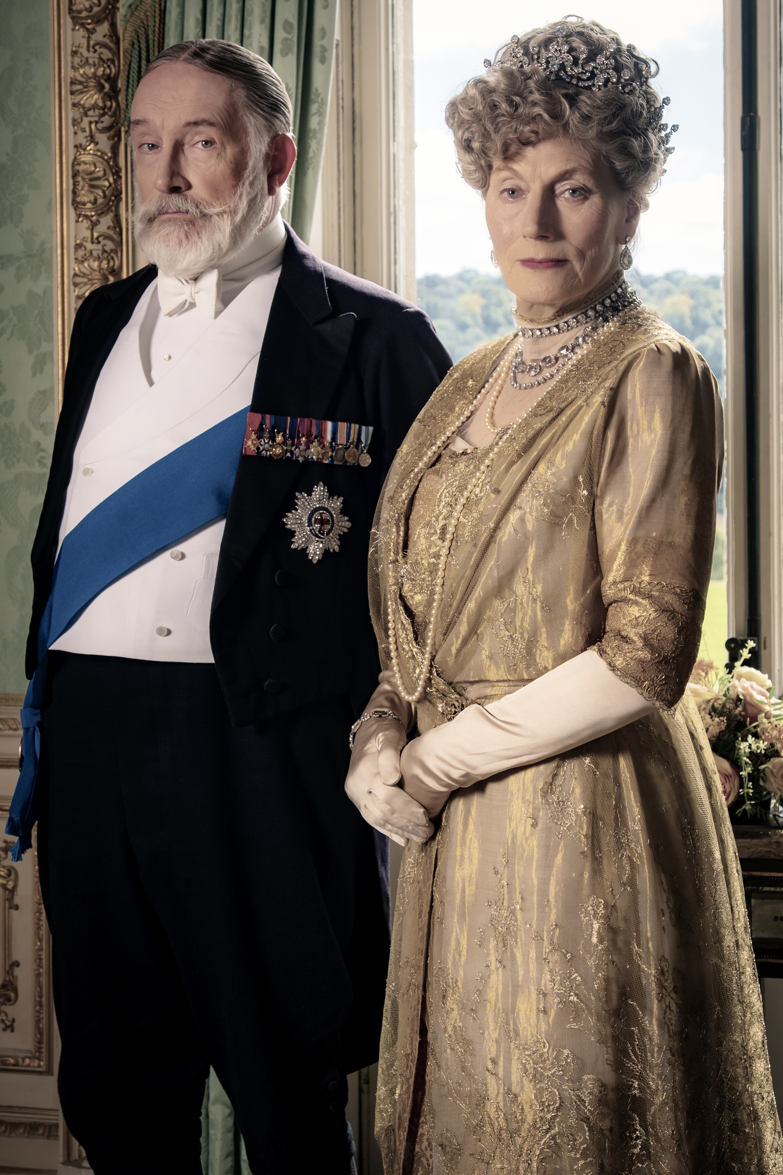 4127_JB_D002_0025_RC Simon Jones stars as King George V and Geraldine James as Queen Mary in DOWNTON ABBEY, a Focus Features release. Credit: Jaap Buitendijk / © 2019 Focus Features, LLC
