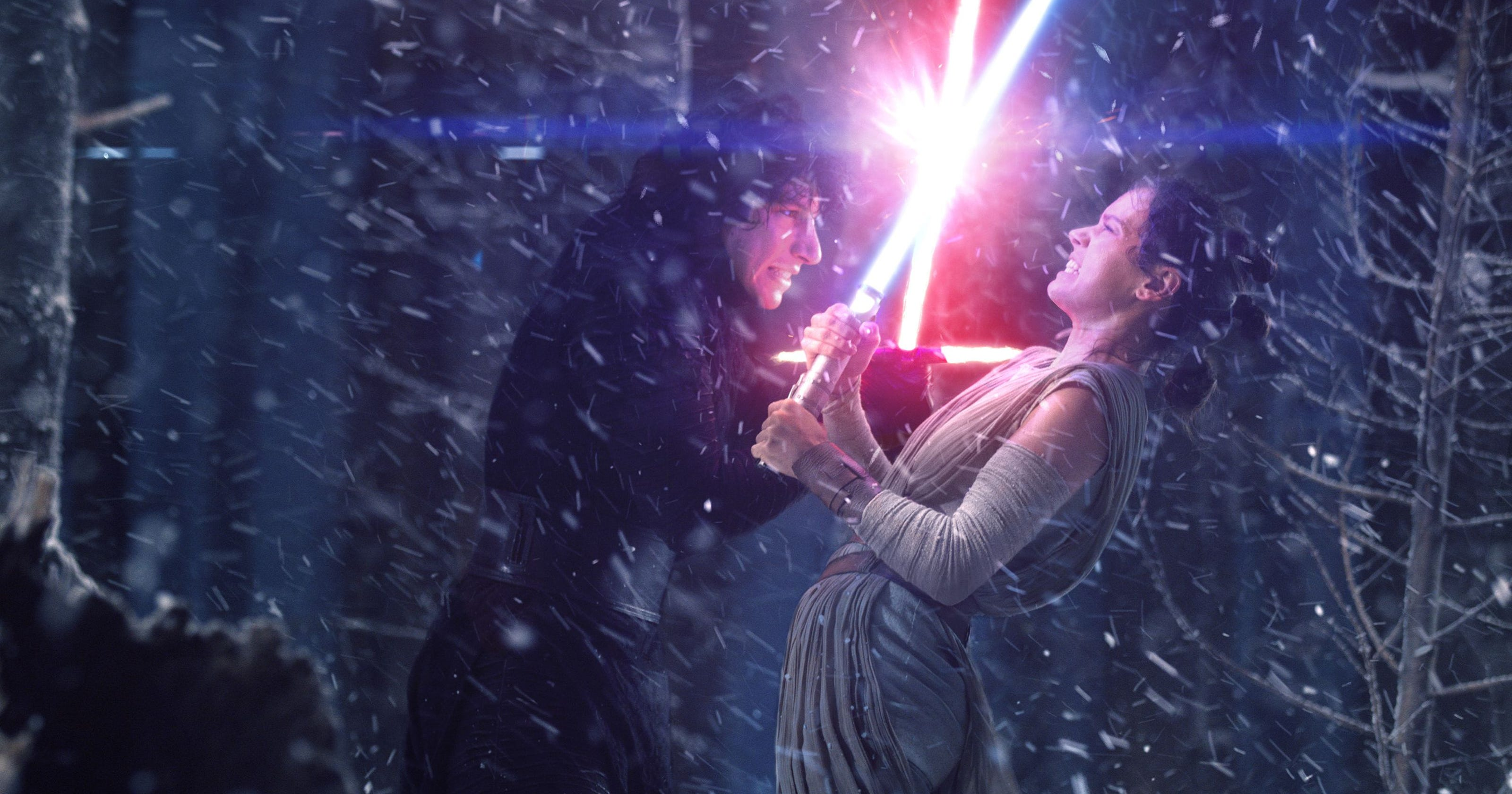 Star Wars The Rise Of Skywalker To Explore Bond With Rey Kylo Ren Indiewire