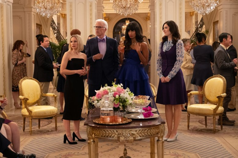 """THE GOOD PLACE cast Season 4 -- """"A Girl From Arizona"""" Episode 401/402 -- Pictured: (l-r) Kristen Bell as Eleanor, Ted Danson as Michael, Jameela Jamil as Tahani, D'Arcy Carden as Janet -- (Photo by: Colleen Hayes/NBC)"""