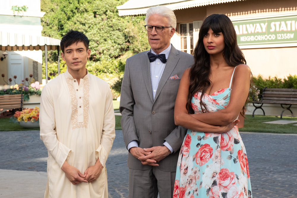 """THE GOOD PLACE -- """"A Girl From Arizona"""" Episode 401/402 -- Pictured: (l-r) Manny Jacinto as Jason, Ted Danson as Michael, Jameela Jamil as Tahani-- (Photo by: Colleen Hayes/NBC)"""